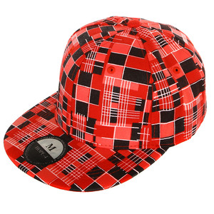 Cap with trendy print across the entire surface. Size - Circumference: S - 57cm M - 58cm L - 59cm Material: 100% acrylic