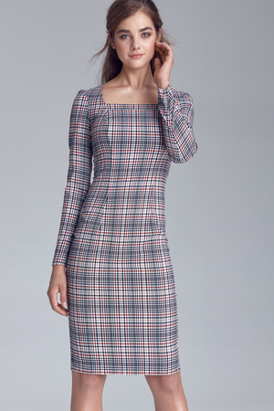 Women's formal dress to the knees with an ageless checked pattern and long sleeves. Elegant look case cut square neckline