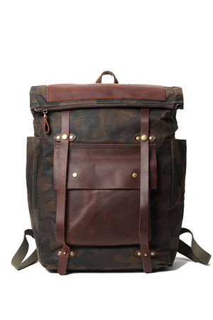 Medium rolling backpack in camouflage waterproof design the inner part of the backpack is completely lined reinforced