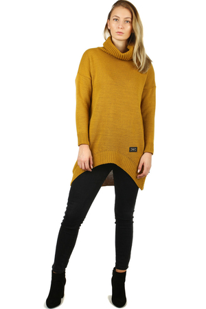 Women's turtleneck with a longer back in an oversized design. warming material with mohair content long to the middle of the