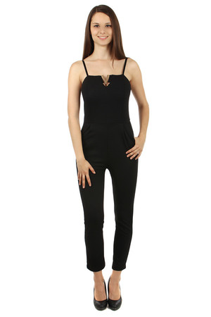 Black ladies' overall on hangers, with neckline adornment and zip fastening. On the side of your pocket. Import: Italy