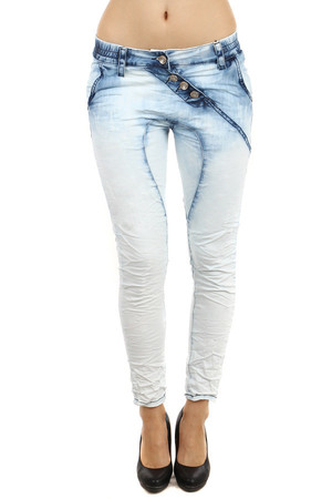 Unusual bright jeans with pockets. Interesting cut, seams and fastening. Material: 75% cotton, 23% polyester, 2% elastane.
