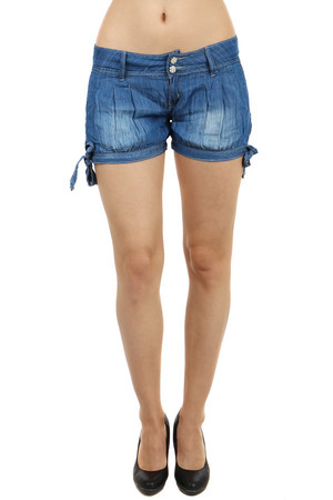 Comfortable shorts with pockets at the back and leg loops on the side. Material: 95% cotton, 5% polyester