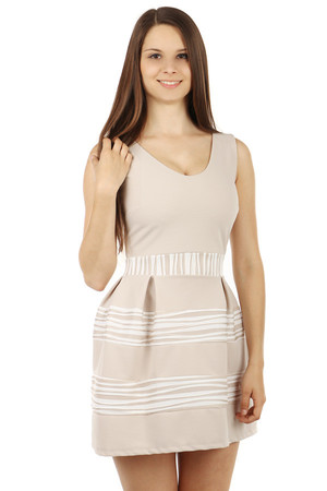 Amazing dress with fluffy skirt. Wide straps. Zip fastening at the back. Import: Italy Material: 95% polyester, 5% elastane