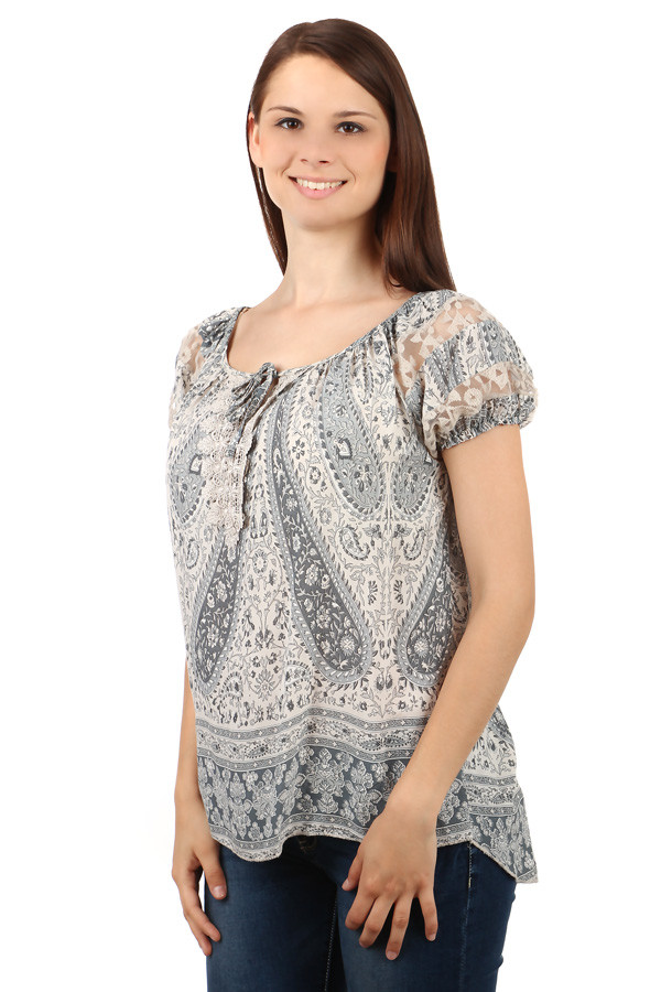 Ladies blouse with pattern
