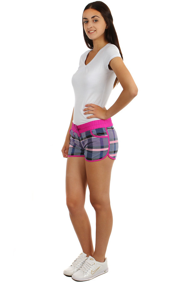 Sporty women's checkered mini shorts