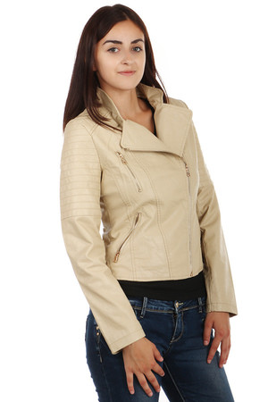 Modern women's jacket with zip on the side. Zipped front pockets. On the side a pocket for decoration. Fancy collar. Quilted