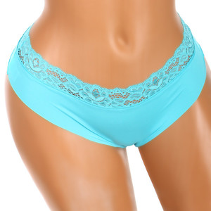 Stylish seamless thong with lace at the waist. Material: 90% polyamide, 10% elastane