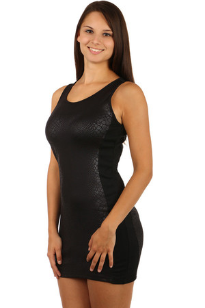 Seductive black dress with snake pattern. Zip fastening. Material: 95% polyester, 5% elastane