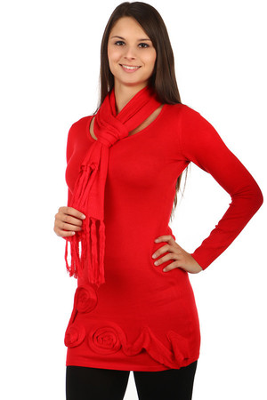 Fashionable sweater with application and cup (length 146 cm). Material: 83% polyester, 17% elastane.
