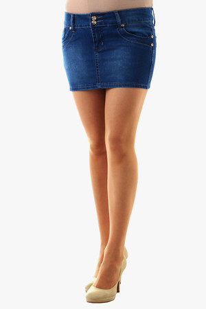 Women's denim mini skirt. Classic cut and color, front fastening. Material: 95% cotton, 5% polyester.