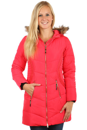 Women's long quilted jacket suitable for winter. Zipping the jacket and pockets. The fur edge can be removed from the