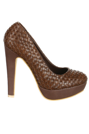 High heels. An interestingly crafted upper side of shoes. Material: upper: artificial leather, insole: artificial leather,