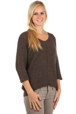 Pleasant sweater with 3/4 sleeves. Material: 75% acrylic, 10% wool, 10% viscose, 5% alpaca