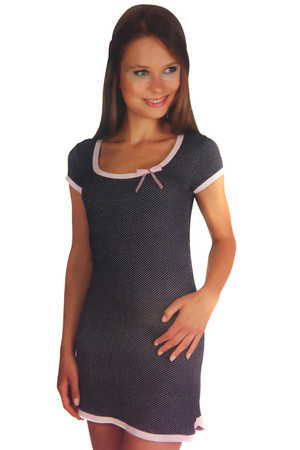 Simple chemise with polka dots and short sleeves. Import: Turkey Material: 90% viscose, 10% elastane