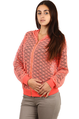 Beautiful lace sweatshirt with hood. Material: 65% cotton, 30% polyester, 5% elastane.