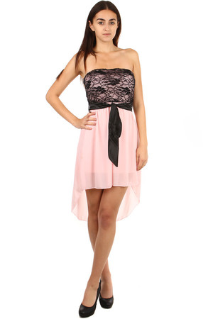 Interesting strapless dress. Upper part decorated with lace. The rear part is called a siding. Import: Italy Material: 95%