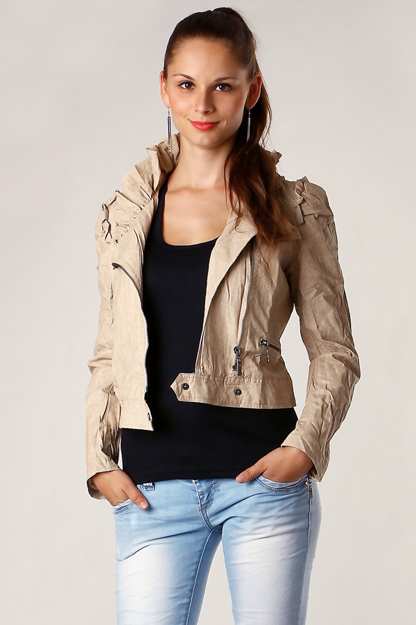 Women's leatherette jacket without hood